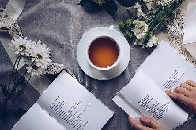 Libroterapia: che cos'è? Funziona davvero? Come si diventa professionisti in questo campo?